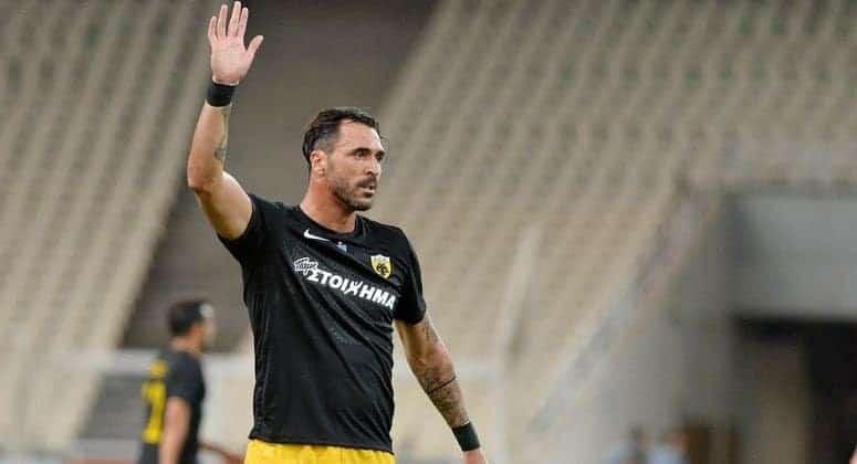 Hugo Almeida raskinuo ugovor s AEK-om