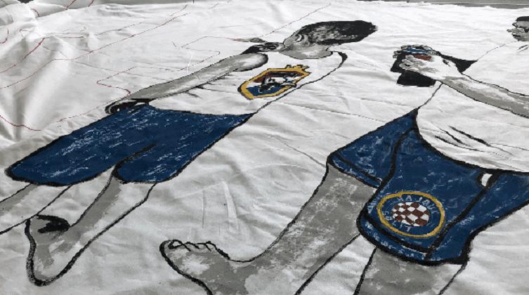 Fan zona prije utakmice: Najmlađi hajdukovci izrađuju veliki transparent za svoju tribinu!